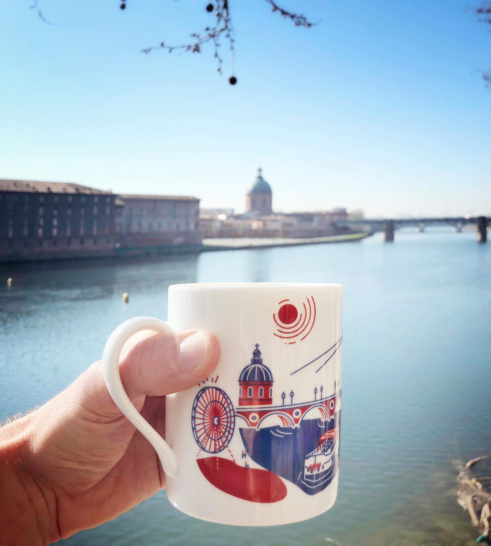 Mug Toulouse photographié depuis le Pont-Neuf