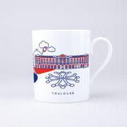 Vue du mug côté droit avec illustration du Capitole