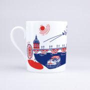 Vue du mug côté gauche avec illustration du Pont-Neuf de Toulouse