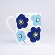 Vue du mug Fleurs Bleues