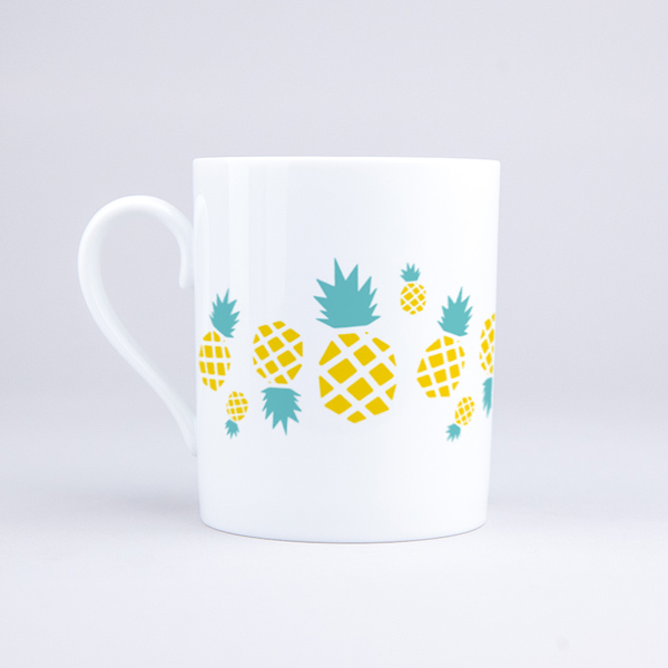 Vue du mug Ananas en ribambelle