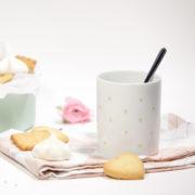 Un goûter en amoureux avec le mug petits coeurs